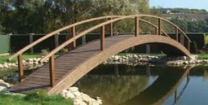 арочный деревянный мост